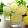 Four Reasons to Start Drinking Lemon Water