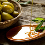 Studies Show That Olive Oil Benefits Our Heart and Mind